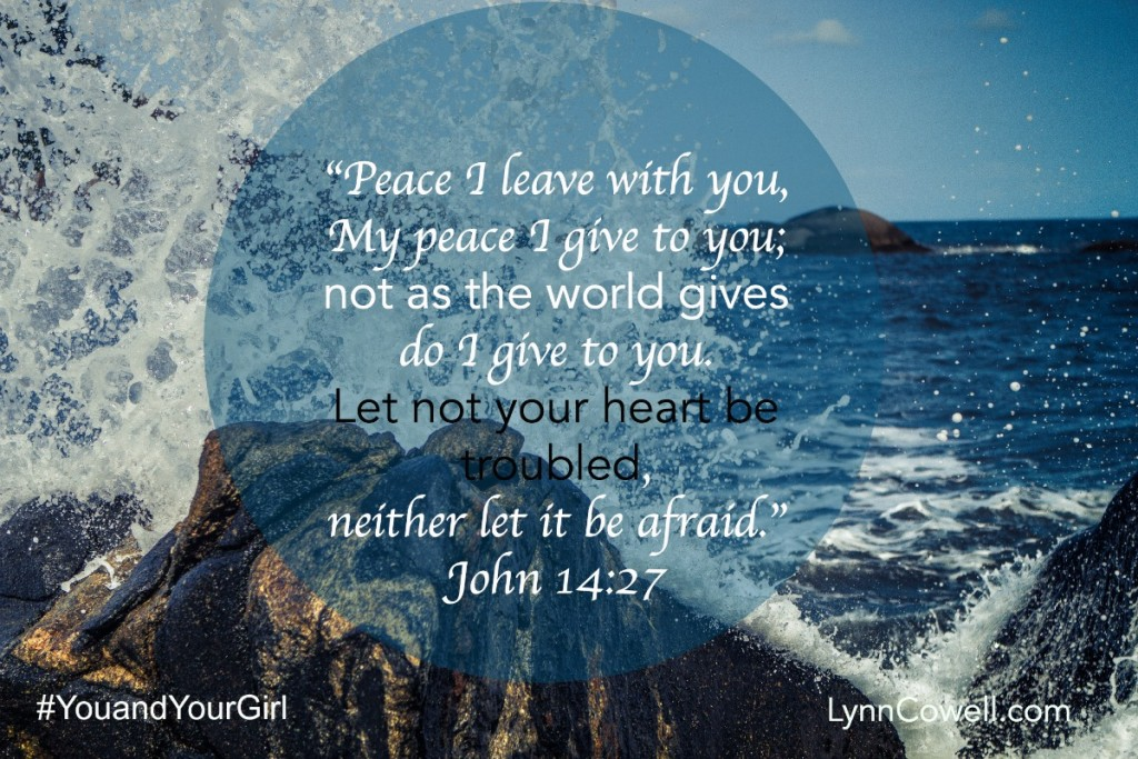Day 3 of 9 | Lord, make me peaceful | John 14:27 | 9 Prayers to Pray During Times of Change | #youandyourgirl series {May 2015} by Lynn Cowell
